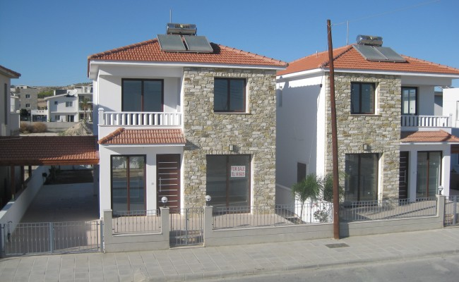 outside_property_larnaca3