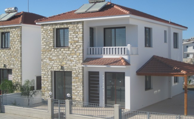 outside_property_larnaca4