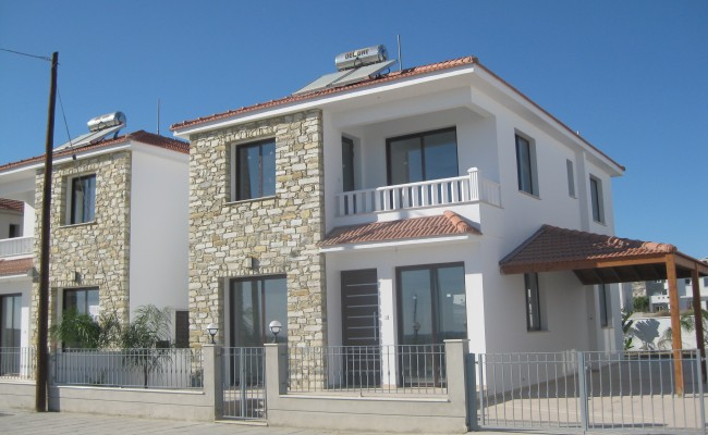 outside_property_larnaca5