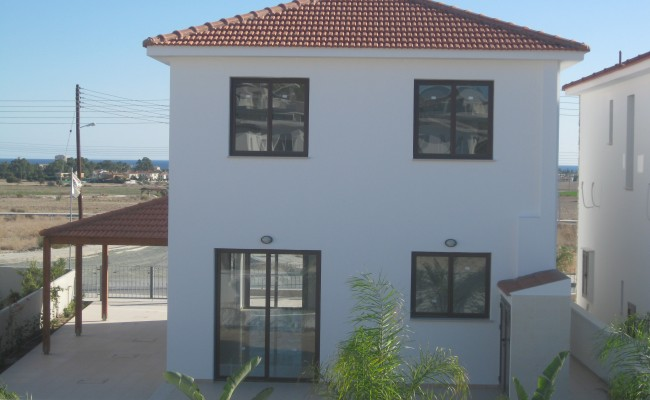 outside_property_larnaca6