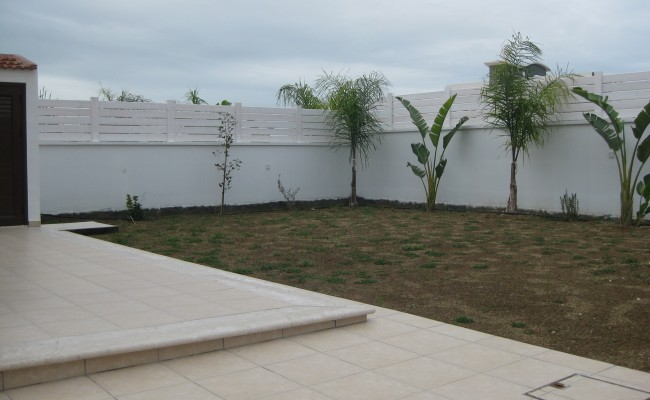 outside_property_larnaca8